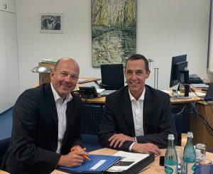 Frank Rock im Dialog mit Bürgermeister Dieter Spürck
