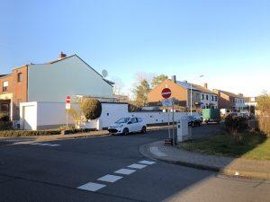 Ordentliche Einbahnstraße in der Falladastraße in Sindorf