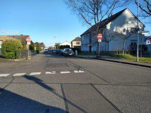 Dauerhafte Einbahnstraßenregelung Goethestraße in Sindorf